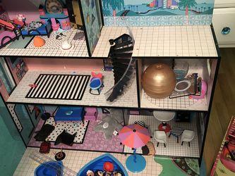 Lol doll House , Lol Camper , Car & 10 Lol Dolls for Sale in Wantagh,  NY