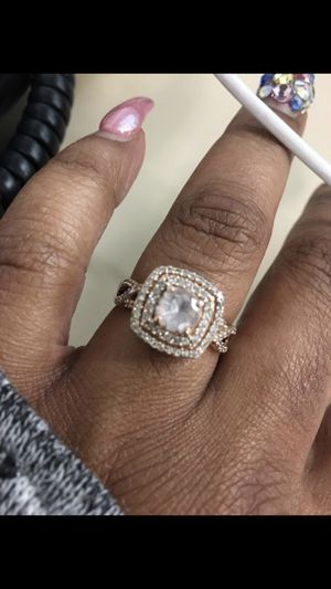 Rose gold diamond and morganite ring for Sale in Pittsburgh, PA