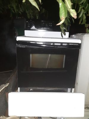 Electric stove for Sale in Tyler, TX