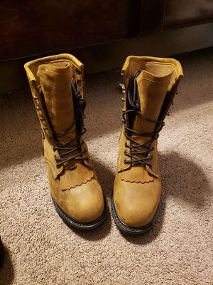 BOOTS FOR MEN SIZE 10 WATERPROOF for Sale in Fresno, CA