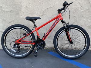 Schwinn High Timber Youth Mountain Bike 21-speed Bicycle 24-inch wheels Shimano for Sale in San Diego, CA
