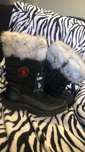 8.5M snow boots US Polo -New ! for Sale in Saint Johns, FL