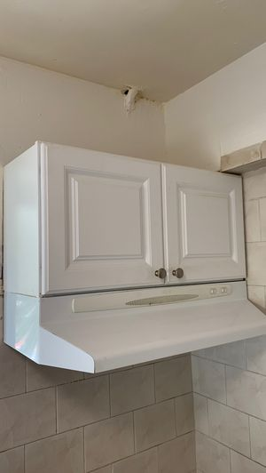 Free white kitchen cabinets for Sale in Miami, FL