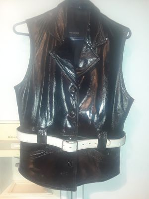 40 yr old lady's leather vest like new for Sale in US
