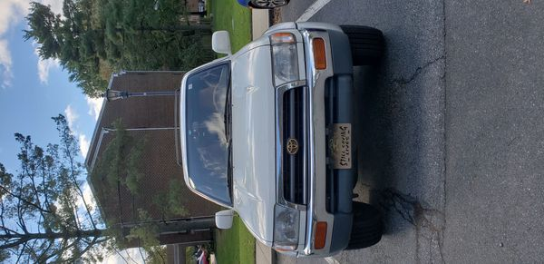 Toyota 4Runner 1988 limited good conditions,running well