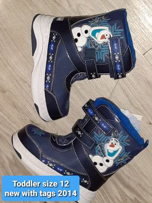 TODDLER SIZE 12 ● NEW Frozen Olaf Boys Winter SNOW BOOTS for Sale in Manchester, NH