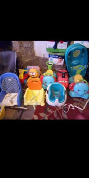 Car seats, ride on toys, baby baths, baby feeding chairs with straps no trays for Sale in Fresno, CA