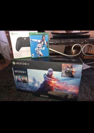 Xbox one X/ fifa 19/ 2 controls for Sale in Miami, FL