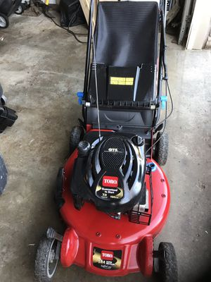 Toro personal pace lawn mower practically new self propelled excellent condition for Sale in Waterford Township, MI