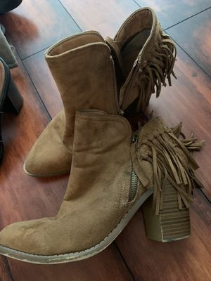 Size 8.5 fringe boots for Sale in Brea, CA