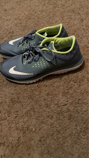 Nike Running Shoes, size 8. Need gone ASAP for Sale in Fresno, CA