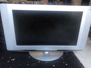 32 inch LG TV for Sale in Richardson, TX