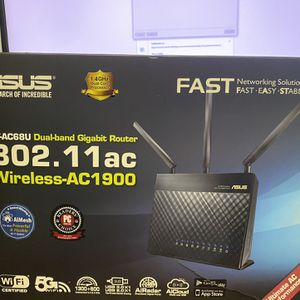Asus RT-AC68U Wireless Gigabit Router for Sale in Hialeah, FL