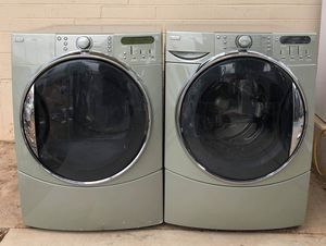 Beautiful Kenmore elite he5 electric steam washer and dryer for Sale in Glendale, AZ