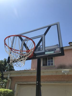 Basketball hoop for Sale in Baldwin Park, CA