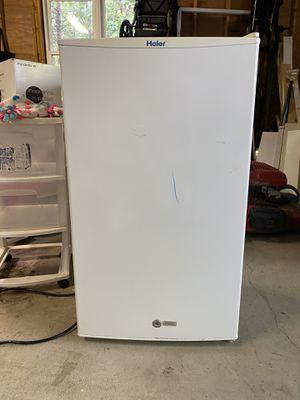 Haier Mini Fridge for Sale in Foxborough, MA