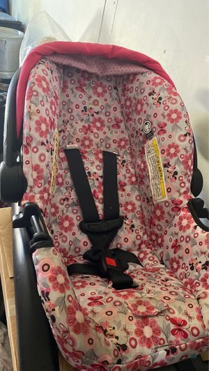 Babygirl car seat for Sale in Long Beach, CA