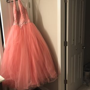 Cinderella Divine Quinceanera Gown Prom Homecoming Sweet 16 Dress SIZE 6 for Sale in Braselton, GA