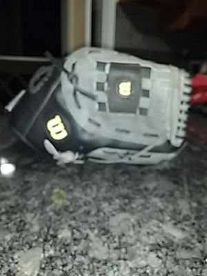 Wilson softball glove for Sale in Frankfort, IL