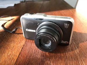 Canon PowerShot SX230 HS 12.1 MP CMOS Digital Camera with 14x Zoom, Full HD Video, case and extra battery included for Sale in Seattle, WA
