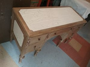 Antique parlor style desk for Sale in Bellingham, WA