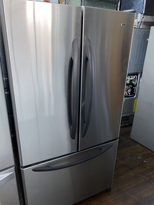 KENMORE ELITE FRENCH STYLE STAINLESS STEEL REFRIGERATOR for Sale in Azusa, CA
