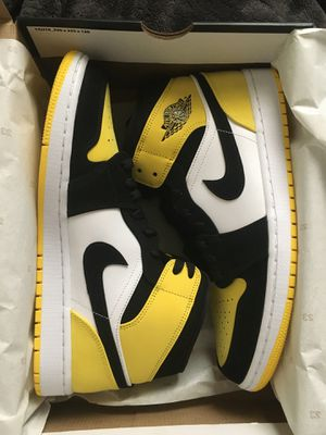 Nike Jordan 1 Mid Yellow Toe Black sz 11 for Sale in Daly City, CA