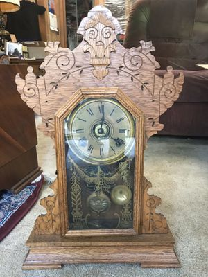 Antique Seth Thomas gingerbread clock for Sale in Land O Lakes, FL