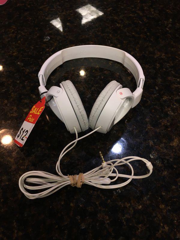 Sony Headphones MDR-ZX1110 Heavy Wear