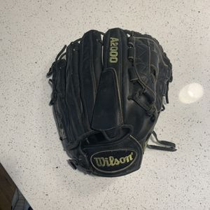 Wilson A2000 Baseball Glove for Sale in Orting, WA