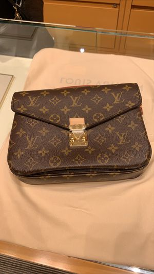 Brand new Louis Vuitton Métis Pochette Monogram Crossbody Shoulder Bag ! Hard to find 100% authentic for Sale in San Diego, CA