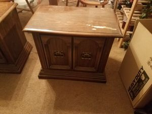 End table for Sale in US