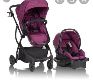 Urbini car seat and stroller for Sale in Hemet, CA