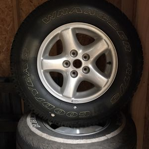 Jeep Cherokee XJ Stock Wheels And Tires for Sale in Snohomish, WA
