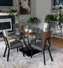 Glass Dinning Room Table & 6 Chairs (Dania) 5ft X 5ft (Seats Up To 8) for Sale in Gresham,  OR