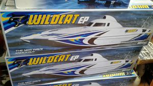 Radio controlled electric speed boat brushless electric 29 inch Long for Sale in Los Angeles, CA