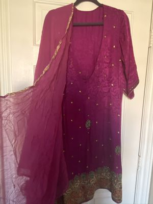 Dark Magenta and green/gold bead embroidered Indian Tunic Suit, fits 16/18, tunic, shawl and pants set, custom made in India for Sale in Henderson, NV