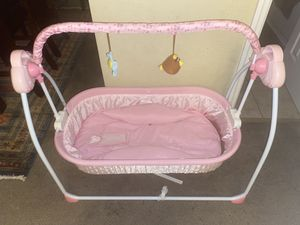 Free Rocking Bassinet Swing for Sale in Apollo Beach, FL