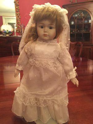 Antique wedding doll. Excellent condition. Collectors item. for Sale in Atlanta, GA