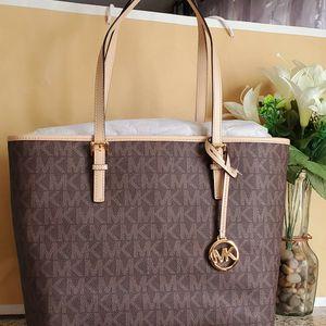 Michael Kors Tote/shoulder Bag for Sale in Temecula, CA