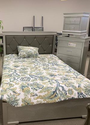 💯Amalia Gold Panel Bedroom Set by Crown Mark for Sale in Brooklyn, MD