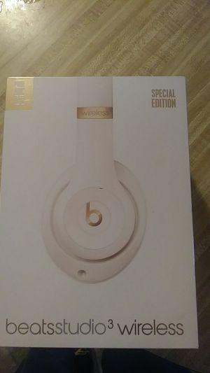 Beats studio3 wireless new for Sale in Wilmington, CA