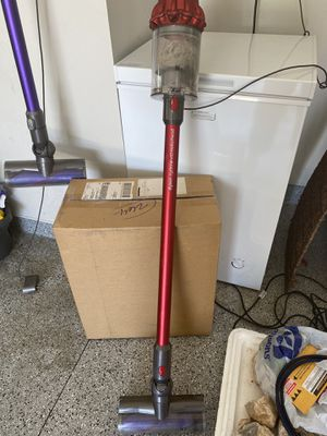 Dyson cordless vacuum for Sale in Las Vegas, NV