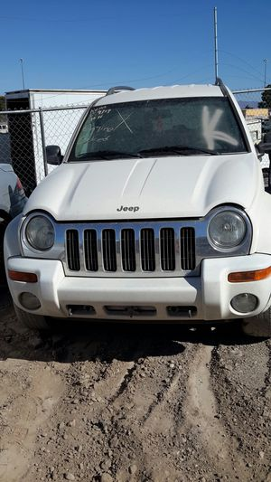2004 Jeep 4x4 3.7 L (selling for parts) for Sale in Las Vegas, NV
