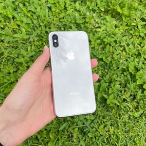 Silver iPhone X 256 GB unlocked for Sale in Lake Worth, FL