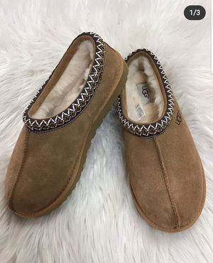 Unisex Ugg Slippers for Sale in Inglewood, CA