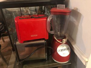 Red toaster, toaster oven, dish rack, and blender for Sale in Oviedo, FL