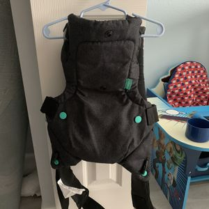 Infantil Flip 4 N1 Baby Carrier for Sale in St. Cloud, FL