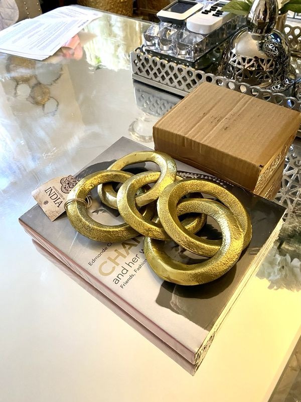 Home accent gold metal chain link