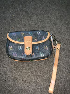Dooney and Bourke wristlet for Sale in Columbus, OH